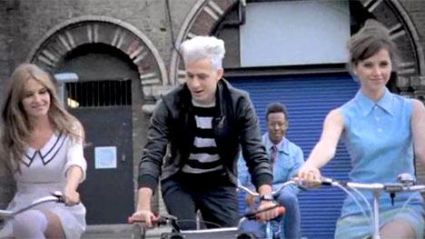 mark-ronson-bike-song-vid